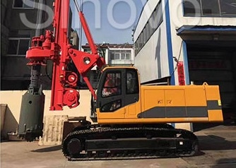 TR100 Rotary Hydraulic Drilling Rig 100 KN.M Self - Erecting Rig Electronic Control