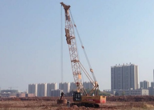 Strong Tamping Capacity Hydraulic Truck Crane Dynamic Compaction , High Performance