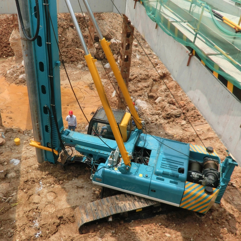 60KJ 30m Depth 400mm Dia Hydraulic Piling Rig